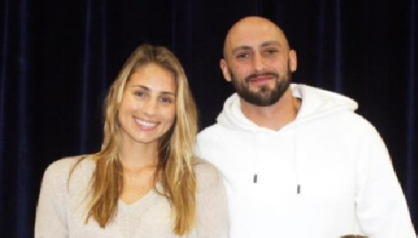 Lauren Scrivens is the proud wife of NFL veteran player, Brian Hoyer -whom you probably recognize as a quarterback currently with the New England Patriots.