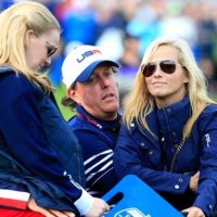 Amy Mickelson 5 Facts About Phil Mickelson Wife 6 200x200