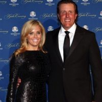 Amy Mickelson 5 Facts About Phil Mickelson Wife 7 200x200